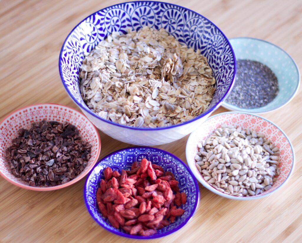 Desayuno para una piel bonita, Avena, bayas de Goji, Semillas de Chia, Semillas de Girasol, Cacao puro